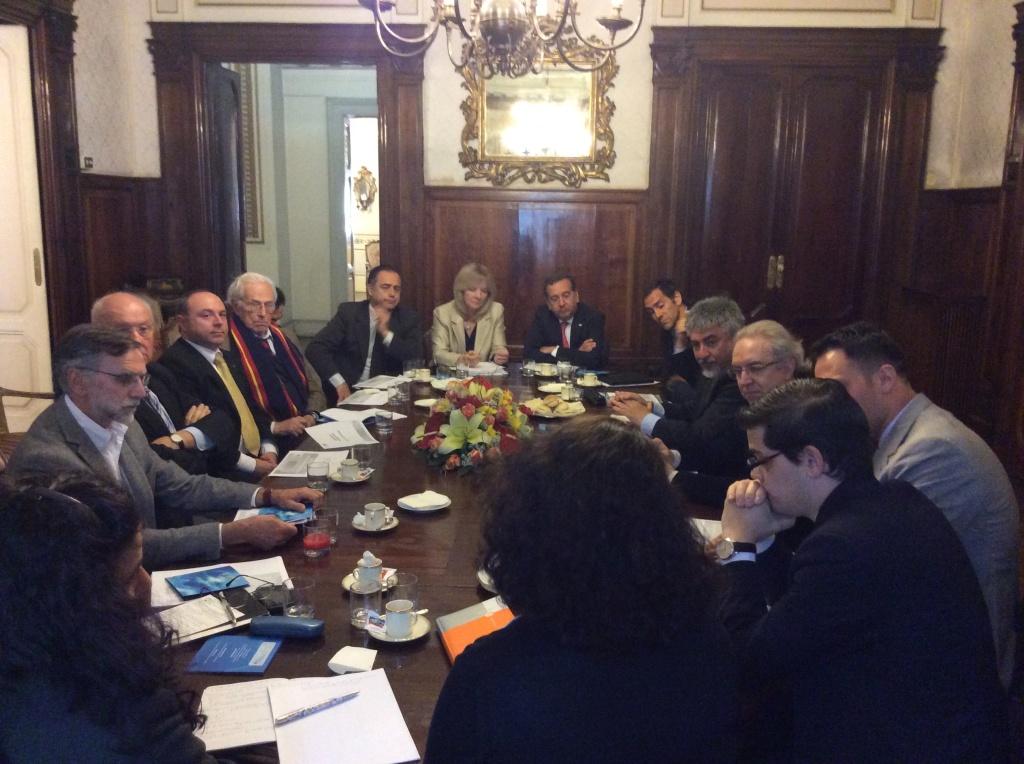 Foto Reunión Embajada