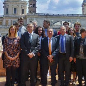 El ministro Lino Barañao se reúne con la RCAI en la Embajada Argentina de Roma