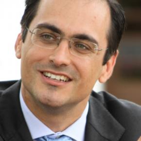 El doctor Reynaldo Rivera se incorporó a cátedra de marketing de la Universidad Austral