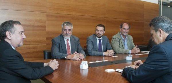 La empresa Leonardo y el INVAP firman un memorándum de entendimiento en Buenos Aires