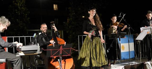 Entrevista a PAOLA FERNÁNDEZ DELL'ERBA – Tango Nómade