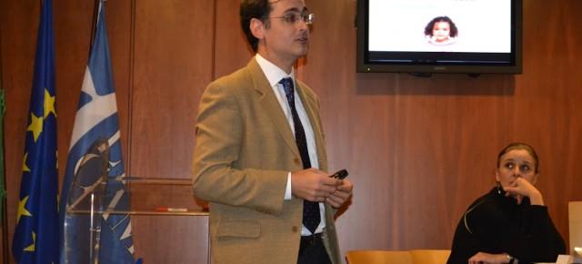 El profesor Reynaldo Rivera disertó en el seminario «I giovani e la società del rischio. Il futuro del, e nel, presente»